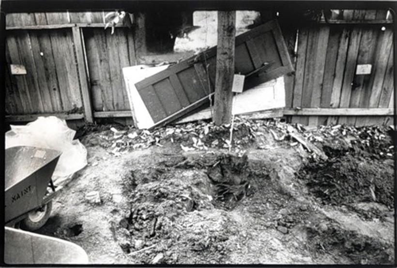 Раскопки во дворе Доротеи Пуэнте