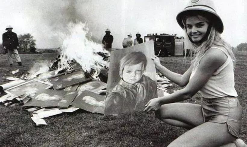 Сжигание картин