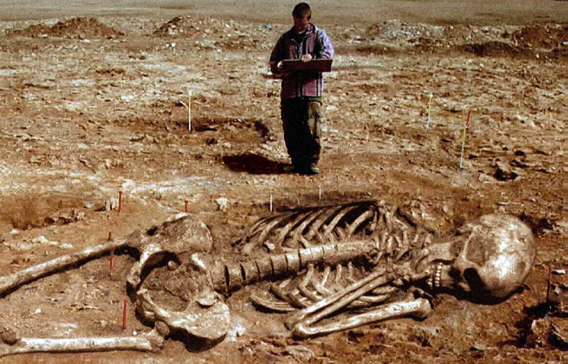 Гигантские скелеты бросают вызов всему, что мы знаем об эволюции человека