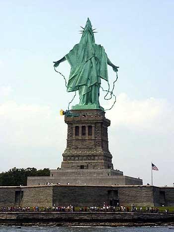 Стилизованная статуя свободы