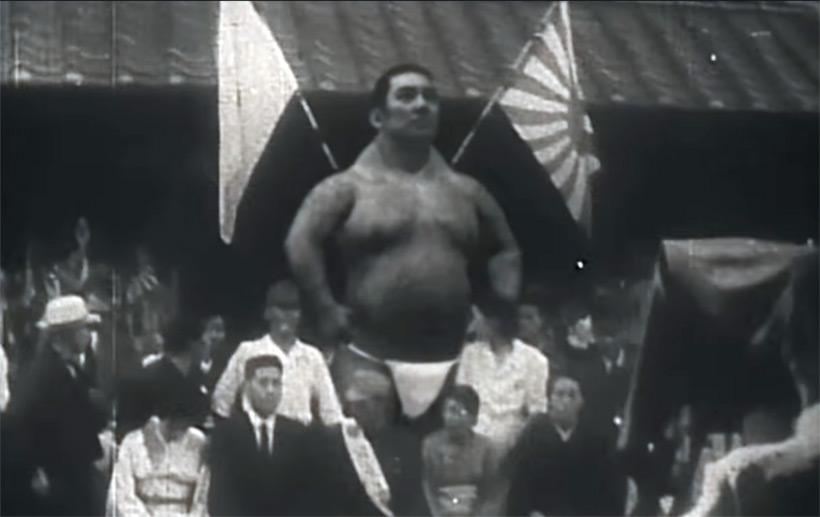 Видео с гигантом в Японии