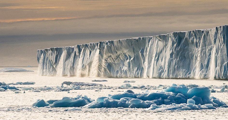 Ледниковые водопады Шпицбергена