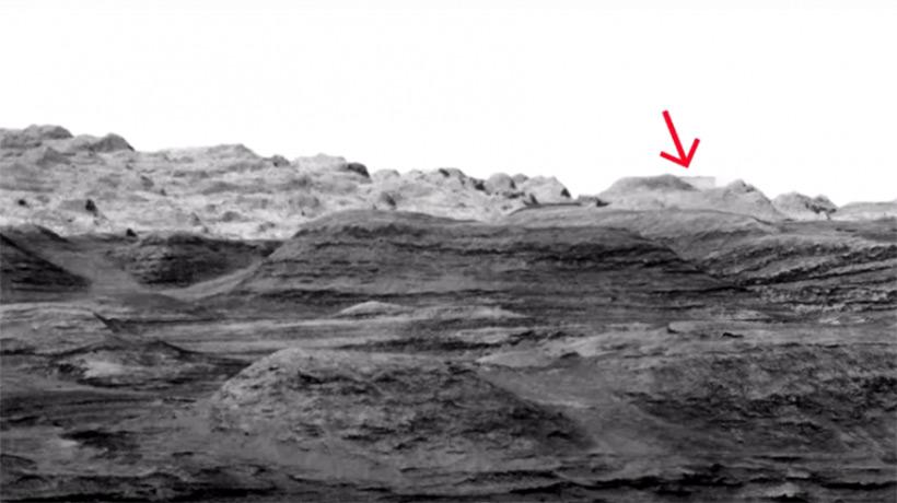 Представители NASA стёрли на фотографии с Марса загадочную структуру