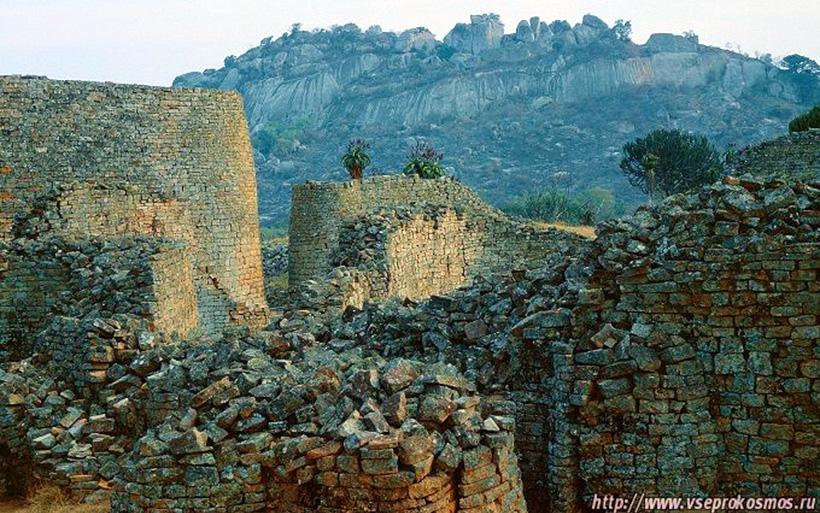Руины форта Мугеньи