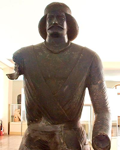 Бронзовая статуя парфянского дворянина
