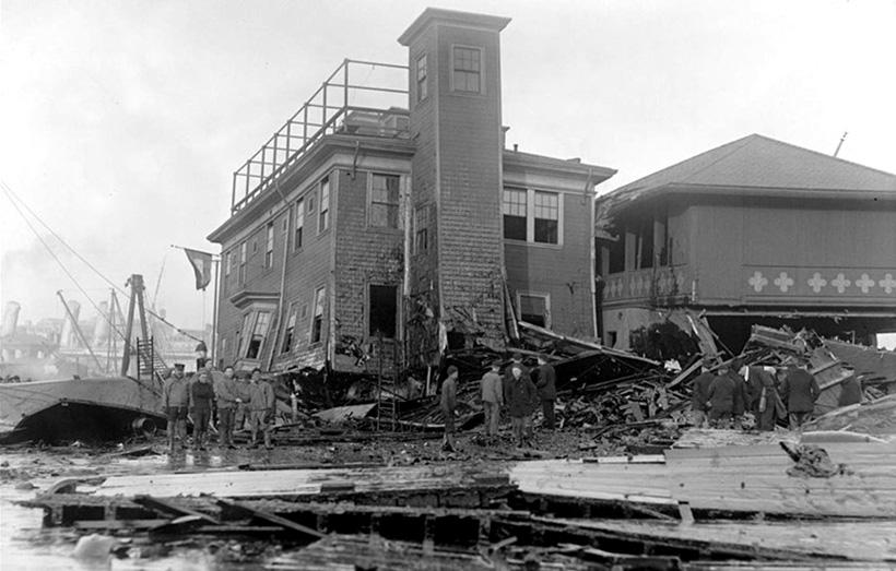 Дом, поврежденный мелассой