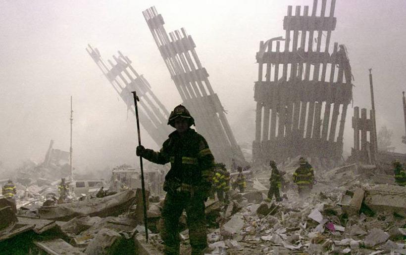 Развалины Всемирного торгового центра в Нью-Йорке
