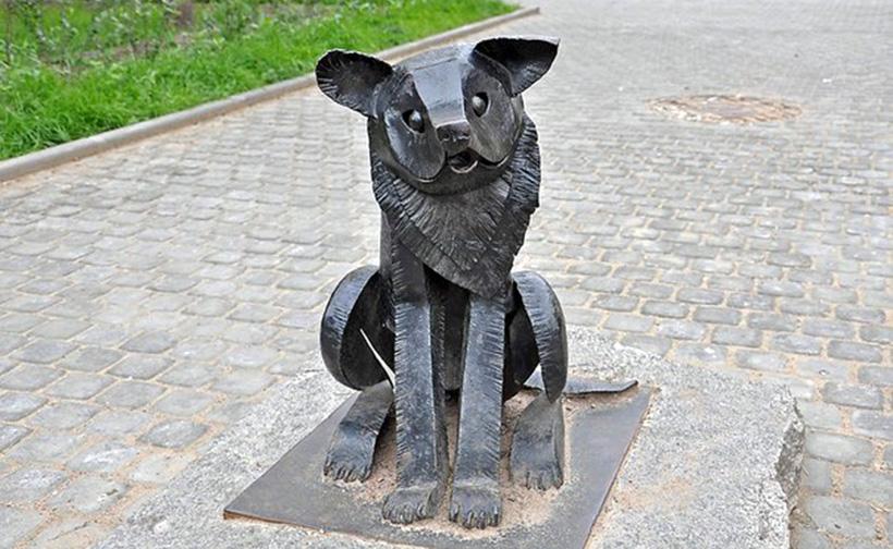 Памятник псу Гаврюше