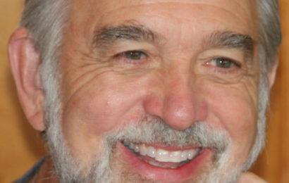 Роналд Раммелл (Ron Rummell) — посланник Галактической Федерации