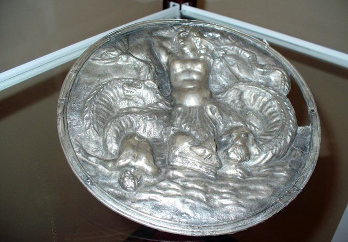 Фалар с изображением Сциллы