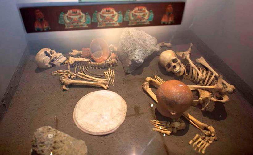 Скелеты принесенных в жертву испанцев