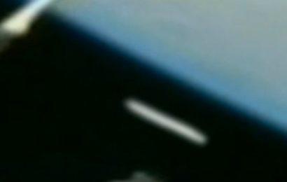 Сигарообразный НЛО был зафиксирован на МКС в 2013 году