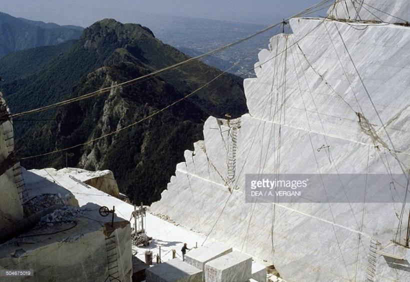Добыча мрамора в Альпах