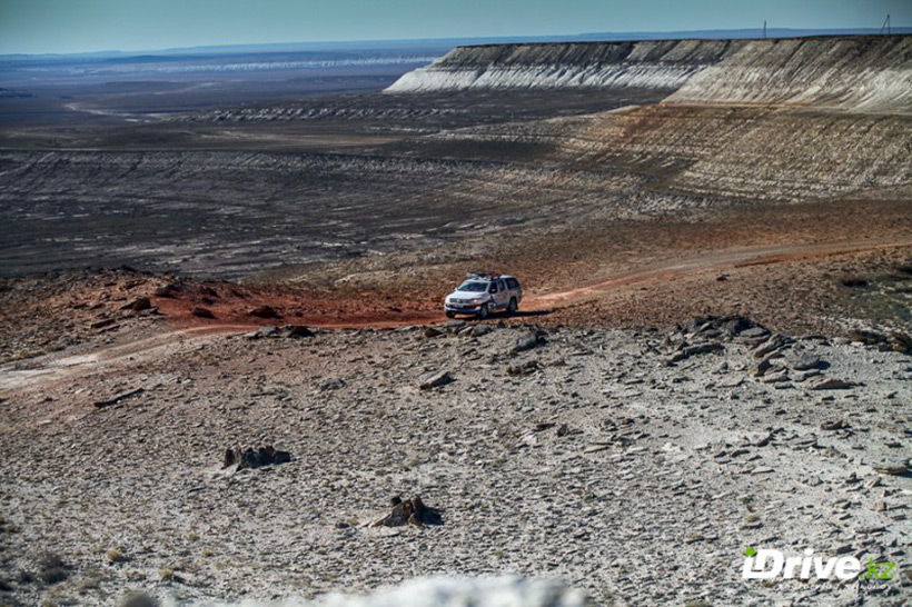 Урочище Босжира находится в западной части плато Устюрт. Казахстан