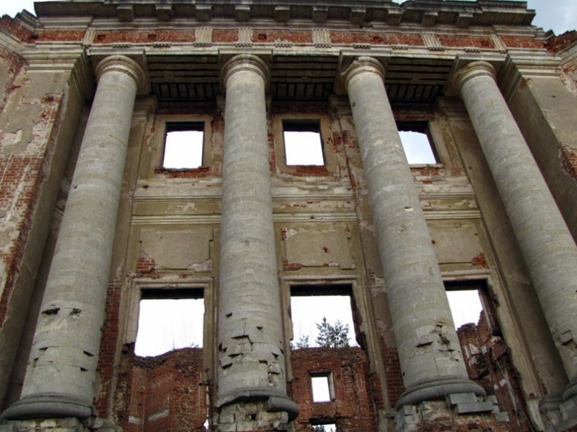 Развалины замка Мещерских, Московская область, Россия