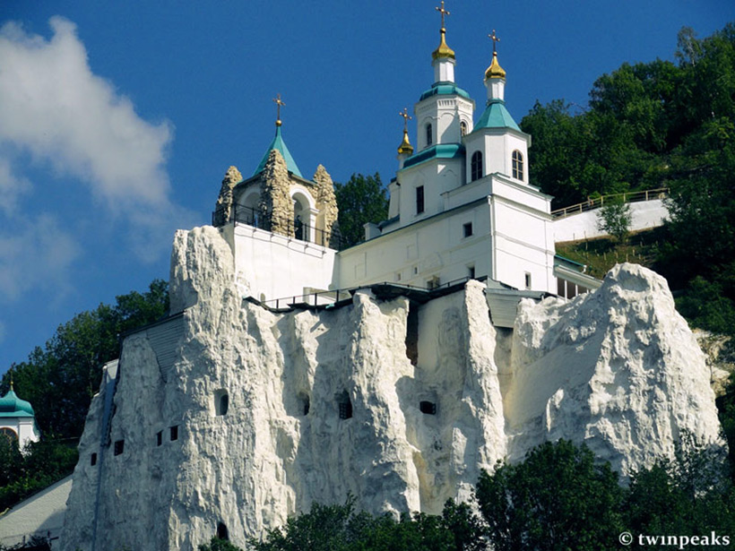 Церковь в меловых горах