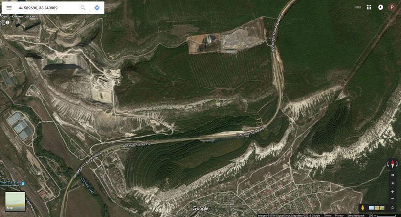 Спутниковый скриншот рефорестизации древних отвалов под Севастополем