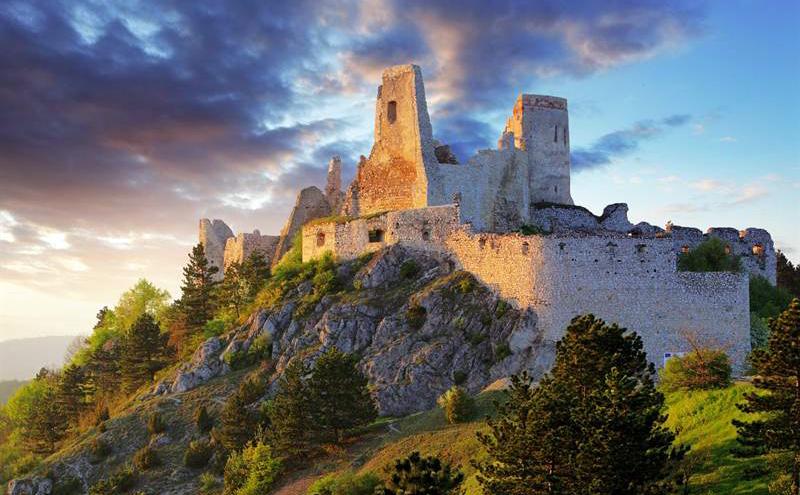 Клады в замках Словакии