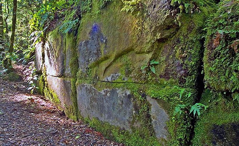 Стена Кайманава