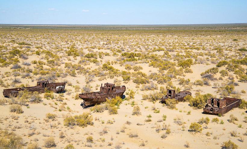 Пески и корабли на месте Аральского моря