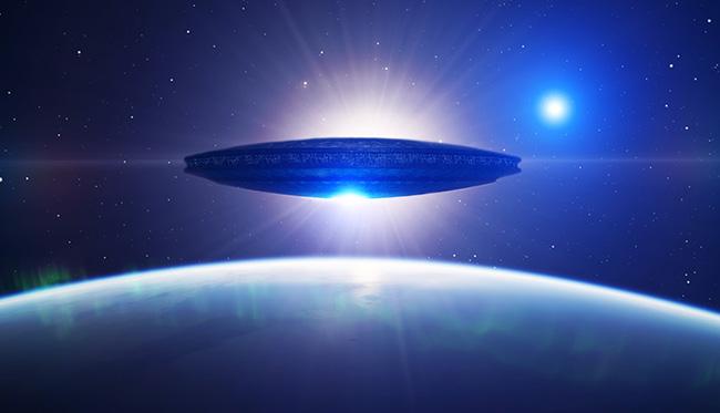 Корабль-матка около Земли