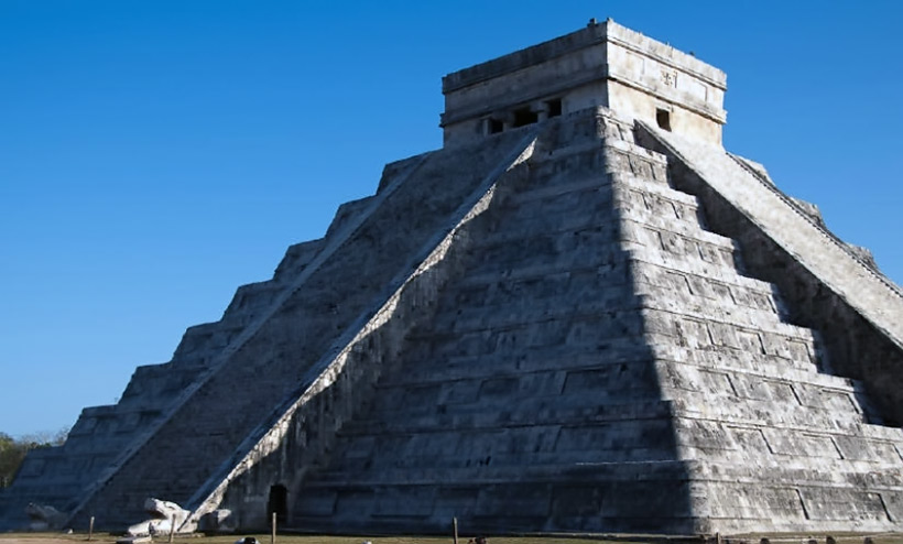 an overview of the mysterious temple and pyramids of the maya in mexico Chichen itza is a unesco world heritage site and best maya history, maya lowlands, maya pyramid, maya mexico, mysterious, ruins, temple of warriors, tinum.