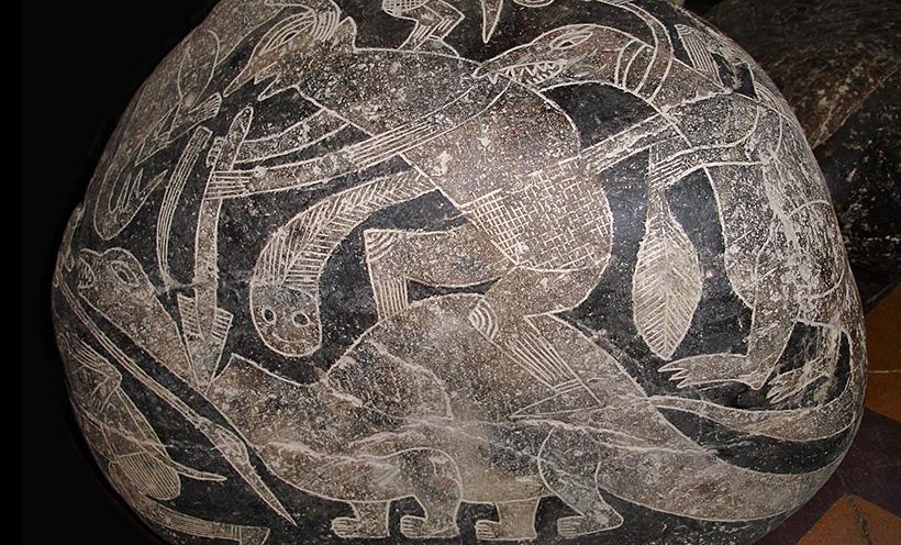 Камни Ики: динозавры